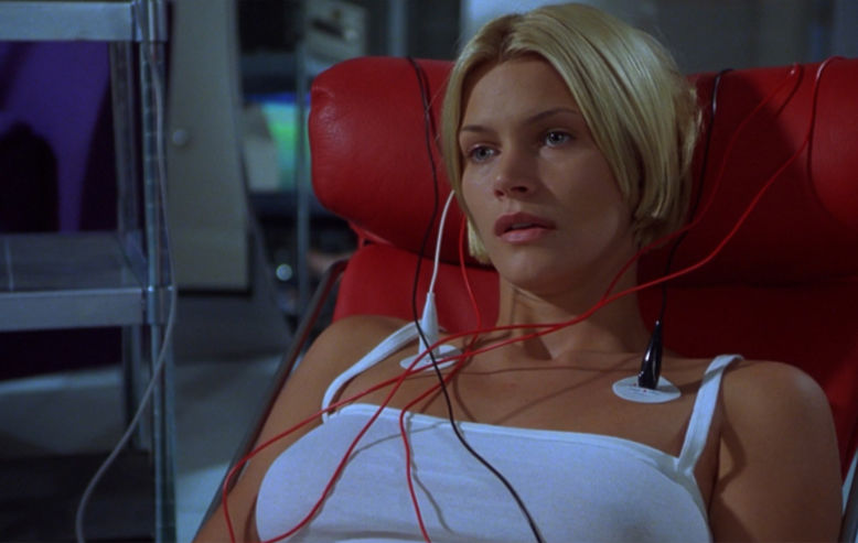 Natasha Henstridge in Species II