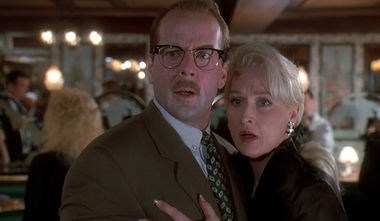 Bruce Willis and Meryl Streep in Death Becomes Her